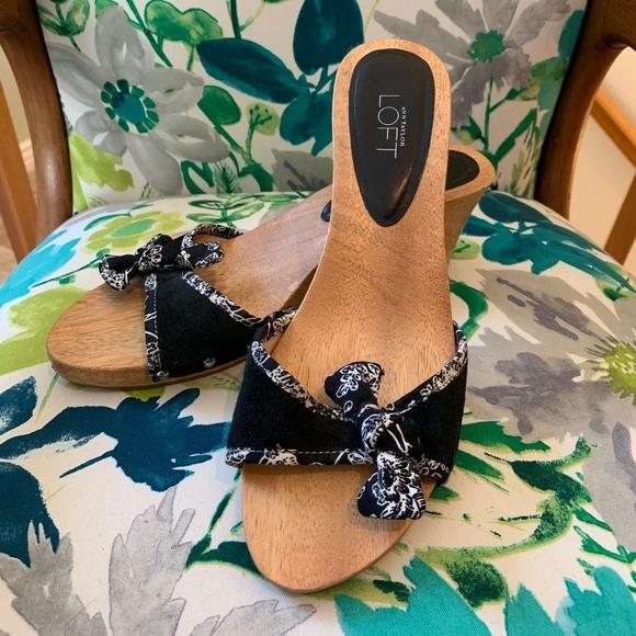 2 Pair For 10 Sale Ann Taylor Slides